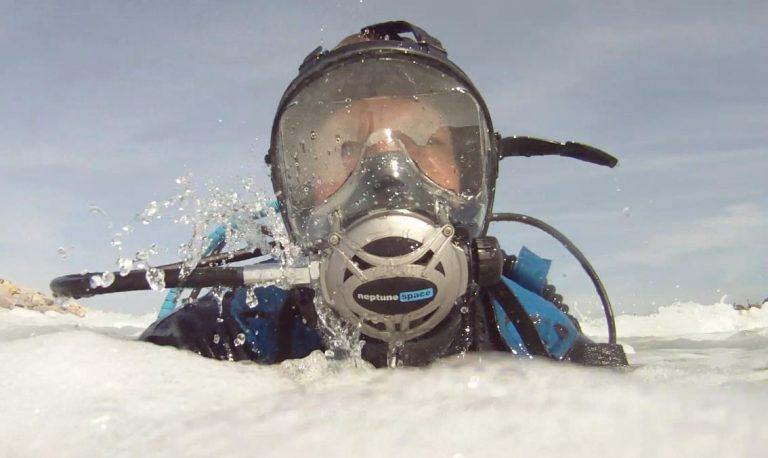 Full face mask scuba dive The Adventure Travelers